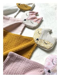 Sewing baby diy for kids ideas baby blanket baby clothes baby projects baby stuff baby toys Baby Sewing Projects, Sewing For Kids, Diy For Kids, Sewing Crafts, Sewing Baby Clothes, Diy Clothes, Homemade Baby Clothes, Dou Dou, Diy Bebe