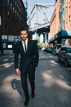Skinny tie. Slim suit.