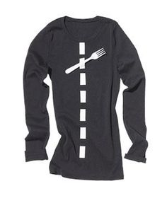 Last-Minute Halloween-Costume Ideas Fork in the Road Wear black. Using white duct tape, make a line of dashes (your lane lines) that begins at one ankle and ends at your collar. Fasten a fork along the route. Easy Diy Costumes, Last Minute Halloween Costumes, Easy Halloween Costumes, Spirit Halloween, Halloween Party, Costume Ideas, Halloween Ideas, Pun Costumes, Halloween Stuff