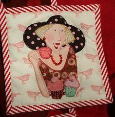 fonte: Pinterest.com Bronwyn Hayes Designer for Red Brolly em Flickr Sem duvida nenhuma: Estilosas e bonitas. Amei...
