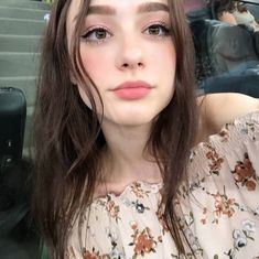 Amazing Model Makeup Natural Looks That You're Gonna Love, Beauty Make-up, Cute Beauty, Hair Beauty, Asian Beauty, Makeup Looks For Green Eyes, Most Beautiful Models, Beautiful Women, Models Makeup, Brunette Girl