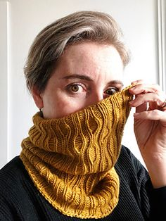 Ravelry: Little Creek Buff pattern by Jacqui Verbeek Beginner Knitting Projects, Knitting For Beginners, Knitting Tutorials, Knitting Stitches, Knitting Patterns, Scarf Patterns, Free Knitting, Stitch Patterns, Knit Cowl