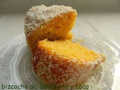 Bizcocho de zanahoria con coco. Uno de los mejores bizcochos que he probado. Suave, ligero y con un sabor a coco impresionante, muy parecido a las cocadas. Sin duda a repe... Köstliche Desserts, Delicious Desserts, Yummy Food, Mexican Food Recipes, Sweet Recipes, Cake Recipes, Bunt Cakes, Cupcake Cakes, Cooking Time