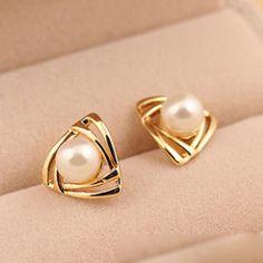 [grlhx130024]Cute Triangle Shiny Earrings