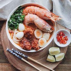 Bánh Canh Cua Tôm  -  Vietnamese Crab and Shrimp Udon Soup