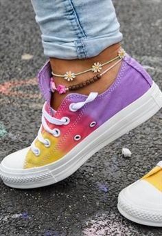 Sunset Tie dye Customised Converse Need Tie Dye Converse, Rainbow Converse, Converse Shoes, Shoes Sneakers, Custom Converse, Custom Painted Shoes, Hand Painted Shoes, Custom Shoes, How To Tie Shoes