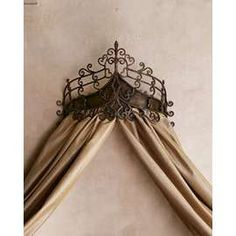 I LOVE this Bed Crown!  I have a similar one hanging at the door of my bedroom ;)