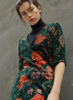 Velvet jacquard dress - Harmony of Balance - Shop by Story - Uterqüe Denmark