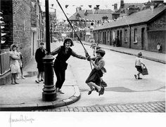 Spent many hours swinging around the lampost , used to borrow mums cushions to use and seat. Old Photos, Vintage Photos, Images Of Ireland, Irish Eyes Are Smiling, London History, Black And White Photography, Dublin, Norman, Britain
