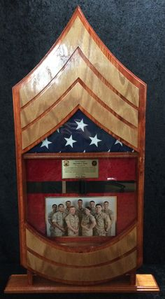✔ Creative Ideas of Shadow Box [Images] Marine Corps, Military Shadow Box, Military Crafts, Once A Marine, Flag Painting, American Flag Wood, Flag Design, Custom Wood, Woodworking