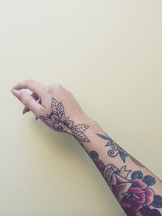 Considering small mandalas/flowers where these are
