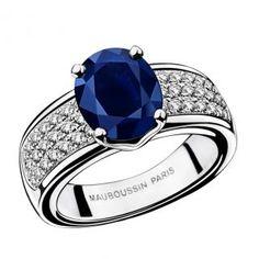 Saphir de Toi ring, by Mauboussin. White gold, Australian Saphirre and diamonds pavé
