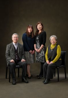 長野市で素敵な家族写真を撮るなら青木写真館へどうぞ。写真館の原点である家族写真を撮り続けて90年。温かいおもてなしの心でお待ちしております。