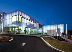 Eagle Center charter school in Washington, D.C. utilizing a bi-color UniQuad building system.