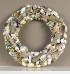 That bring the natural feel to your home has always been a dream of you. DIY driftwood decorations can help you make it. It not only can give a unique charm