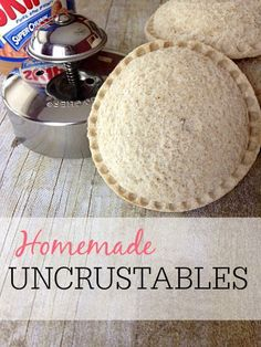 Uncrustables Looking for an easy school lunch? Try these homemade uncrustables. They are inexpensive to make and they taste great!Looking for an easy school lunch? Try these homemade uncrustables. They are inexpensive to make and they taste great! Easy School Lunches, Kids Lunch For School, Kid Lunches, School Menu, Healthy Lunches, Sunday School, Freezer Cooking, Freezer Meals, Easy Meals