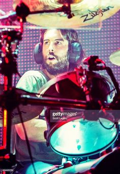 Rob Bourdon of Linkin Park performs during the Carnivores Tour on. Rob Bourdon, Linkin Park Chester, Mike Shinoda, Chester Bennington, World Music, What Is Love, Cool Bands, Tours, Lp