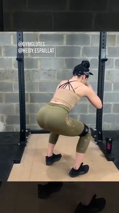 Build strength and muscle with this lower body workout routine with weights Gym Workout Videos, Body Workout At Home, Butt Workout, Gym Workouts, At Home Workouts, Workout Programs, Fitness Programs, Physical Fitness, Glutes