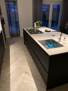 Kitchen Room Design, Rustic Kitchen Design, Kitchen Sets, Beautiful Kitchen Designs, Beautiful Kitchens, Interior Design Tips, Interior Decorating, Kitchen Styling, Bathroom Interior