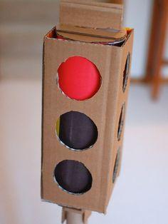 15 idées de jeux à réaliser pour vos enfants avec du carton