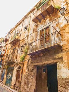 From the food to the weather, the people, the beaches, the architecture, the cost of living and safety - find out what living in Palermo is really like! Palermo Italy, Places In Italy, Sicilian Food, Mosques, Cannoli, Catania, Sardinia, Heritage Site, Sicily