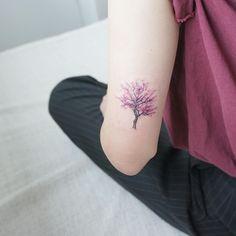 #tattoo#tattoowork#tattoos#tattooing#tattooart#art#tattooartist#treetattoo#flowertattoo#colortattoo#타투#꽃타투#여자타투#미니타투#armtattoo#컬러타투#나무타투#벛꽃타투#타투이스트꽃#tattooistflower  cherry blossom Tattoo shared by tattooist_flower