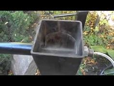Rauchgenerator/Kaltrauchgenerator selber bauen *1 - YouTube Rocket Stoves, Cold, Youtube, Smokers, Plants, Smoking, Great Ideas, Fishing, Crickets