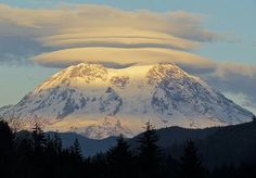 Luscious layers of light and lenticulars November 1, 2013 MountRainier, Seattle  Photo by Ingrid Nixon
