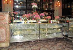 "Confeitaria Colombo - RJ | Casamento Marina & Riva com decor delicada e muito aconchego!  ❥""Hobby&Decor"" inspirações! | #hobbydecor #casamentos #wedding #noivas #decordecasamento"