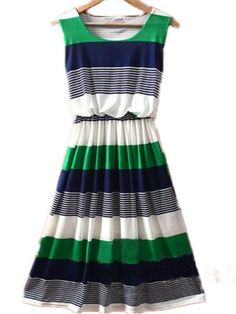 green, blue and white - perfect dress for summer. Looks Chic, Looks Style, Style Me, Pretty Outfits, Pretty Dresses, Cute Outfits, Dress For Summer, Summer Dresses, Summer Clothes