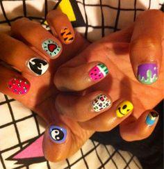 Tres She nails