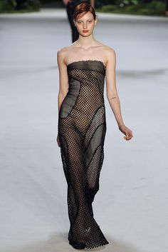 Akris Spring 2013 Ready-to-Wear Fashion Show - Codie Young (Viva)