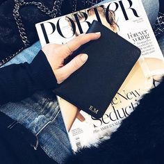 Beautiful @emmamelins shows us her black passport on her way to the airport ✈️  Get yours at www.deriwe.com  Always free delivery worldwide