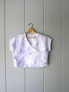 80s Crop Top Purple White Floral Boxy Cap Sleeve Tee 1980s Summer Crop Tops, Beach Tops, Vintage Tops, Cap Sleeves, 1980s, Tees, Shirts, Purple, Floral