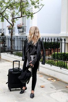 5 Comfortable Outfits That'll Help You Travel In Style