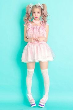 Pastel Cubes: Larme Kei, girly and romantic ☾✰