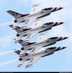 Thunderbirds F-16C Fighting Falcon