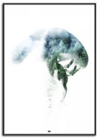plakat med pige der læner sig forover med natur og skov i ryggen via double exposure