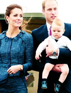 The Duke, Duchess, and Prince of Cambridge on their way to Australia #katemiddleton #princegeorge