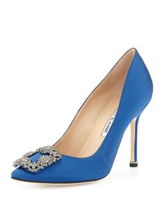 great manolo blahnik shoes - Carrie Bradshaw shoe from Sex and The City. High Heel Pumps, Pointed Toe Pumps, Women's Pumps, Stiletto Heels, Women's Shoes, Blue Shoes, Me Too Shoes, Blue Pumps, Prom Shoes