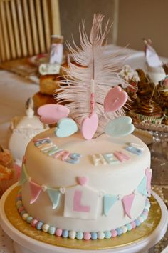 Glamourous hen party cake! #oohluckyhen #cake #henparty