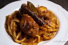 Chicken Wings, Spaghetti, Beef, Stuffed Peppers, Ethnic Recipes, Food, Kitchen, Essen, Cucina