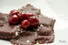 Schokoladenravioli mit Kirschragout *