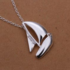 New Listing Hot selling 925 sterling silver and creative sailing Crystal Necklace Fashion trends Jewelry Gifts