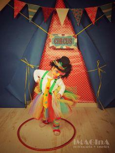 Fotografia de carnaval - carnavales 2016 - disfraz de payaso - fotografia de estudio barbara Omil - imagina fotografía y diseños