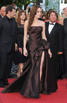 Angelina Jolie at event of A Árvore da Vida Vivienne Marcheline Jolie Pitt, Jessica Chastain, Blake Lively, Brad Pitt, Christian Dior, Brad And Angelina, Angelina Jolie Dress, Divas, Zuhair Murad