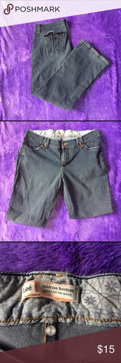 Mid rise Bootcut Lee Jeans Brand New! Never worn! They don't have the tag and are the short cut. Jeans Boot Cut