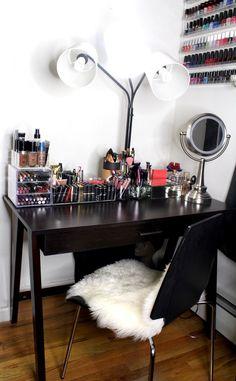 My Beauty Corner How To Organize Your Makeup In A Small Space. My Beauty Corner How To Organize Your Makeup In A Small Space. My Beauty Corner is where all of my makeup magic Small Makeup Vanities, Corner Makeup Vanity, Makeup Table Vanity, Vanity Ideas, Makeup Tables, Vanity Room, Vanity Mirrors, Makeup Room Decor, Makeup Rooms