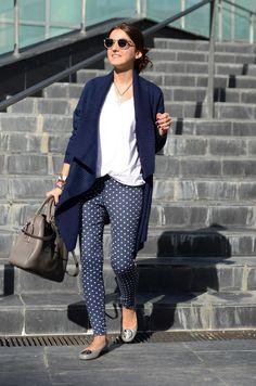 Preppy Purple sweater, Zara T-shirt, Suiteblanco pants, Tory Burch flats, Tous bag, Super Panama sunglasses.