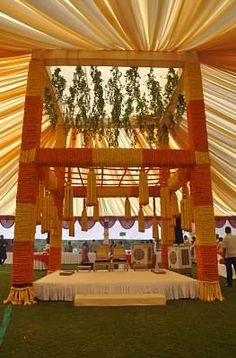 Wedding mandap decoration service provider in ahmedabad by het ivy aura info review wedding themeswedding decorationswedding junglespirit Choice Image